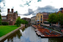 A view of the Cambridge River and the Scudamore's punting service.